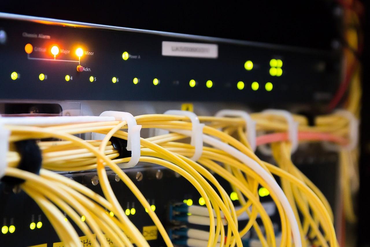 infrastructure-cabling-cat6-cat5e-leveldesk
